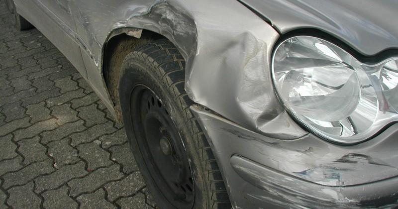 Frontschaden Mercedes